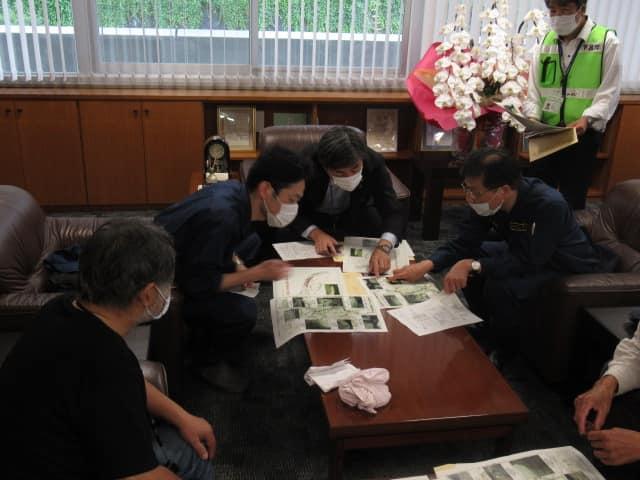 http://www.inoue-satoshi.com/diary/%E4%B8%8B%E5%91%82%E5%B8%82%E9%95%B7.jpg