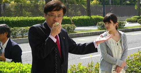 http://www.inoue-satoshi.com/diary/%E4%B8%8E%E5%85%9A%E5%8D%94%E8%AD%B0%E6%8A%97%E8%AD%B0.jpg