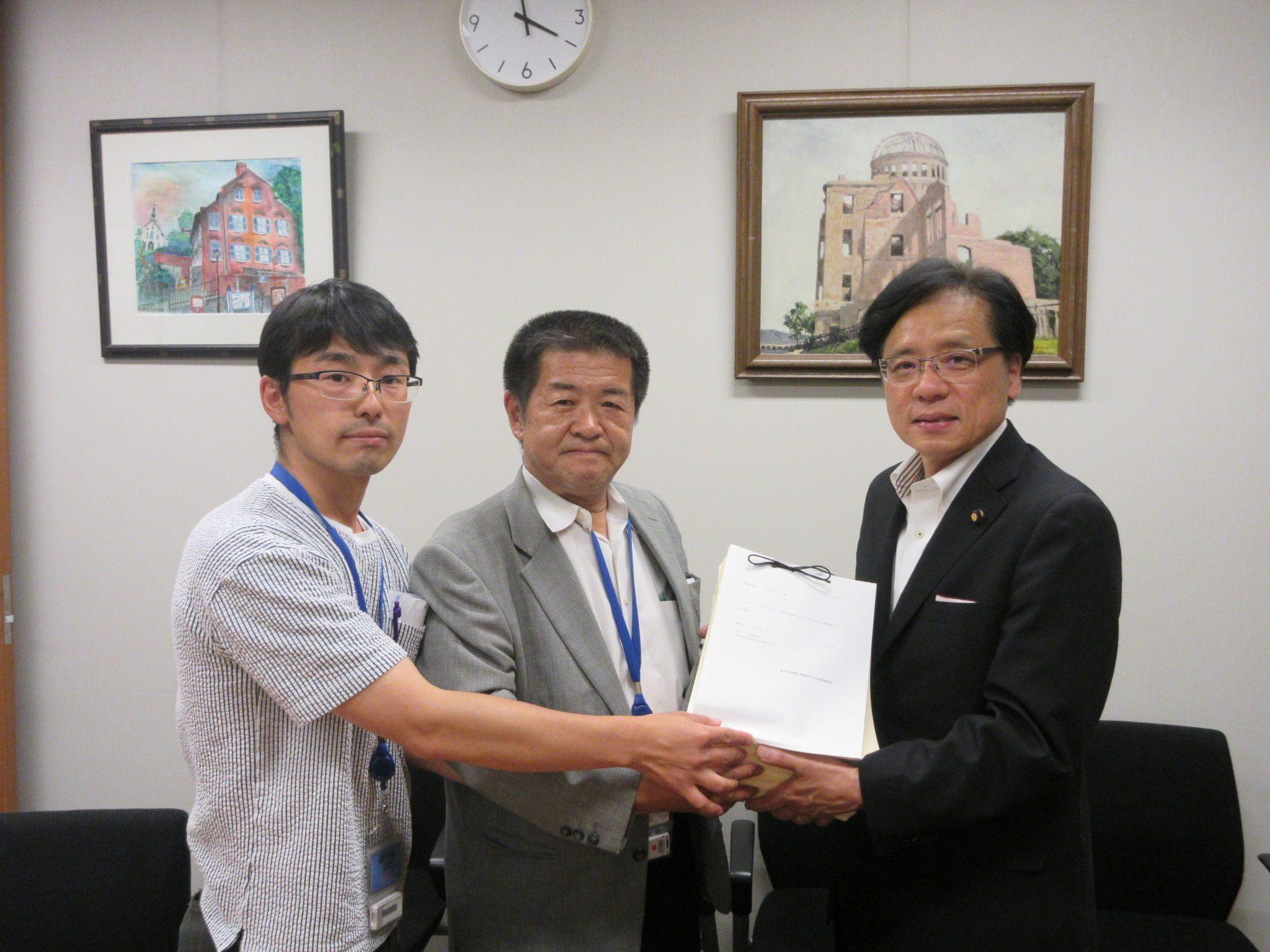http://www.inoue-satoshi.com/diary/%E8%BE%B2%E6%B0%91%E9%80%A3.jpg