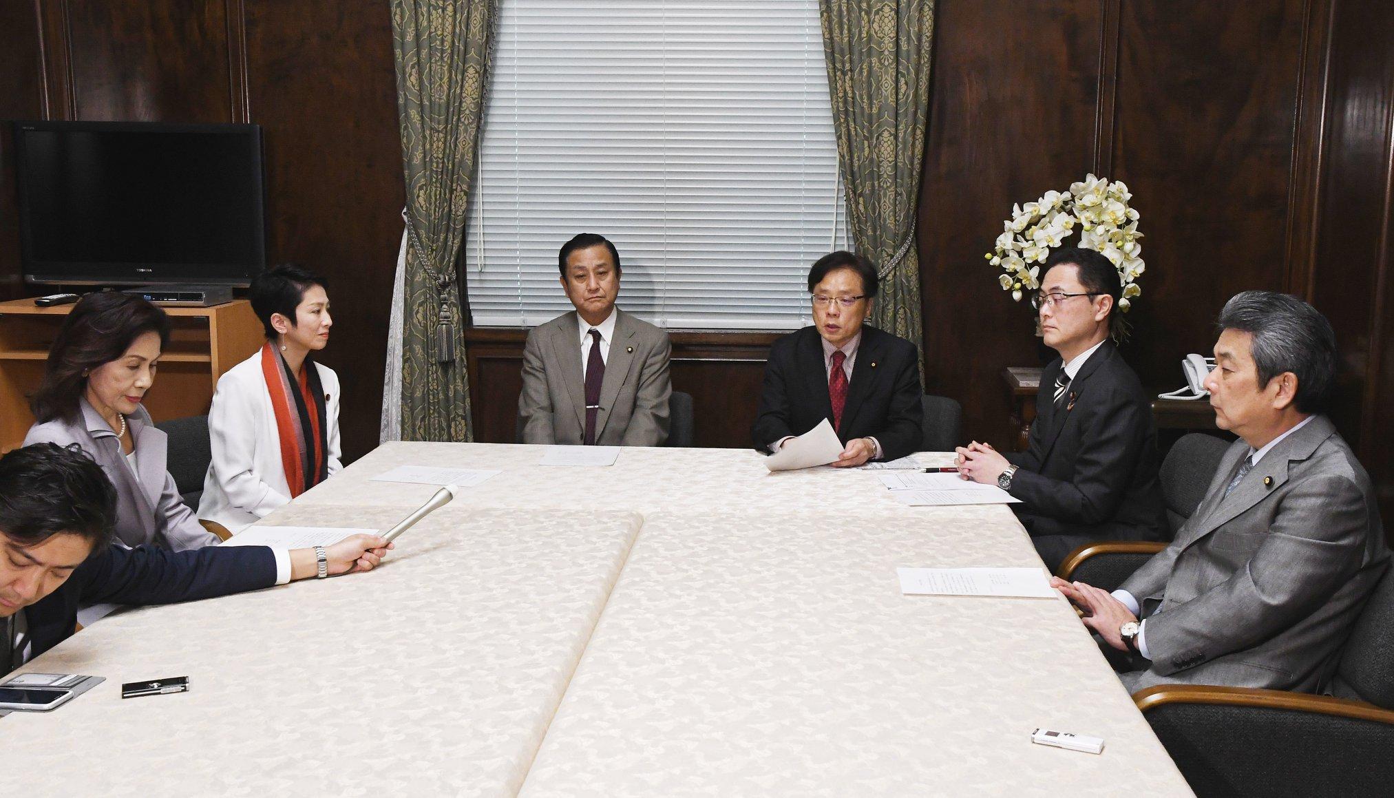 http://www.inoue-satoshi.com/diary/%E9%87%8E%E5%85%9A%E5%9B%BD%E5%AF%BE.jpg