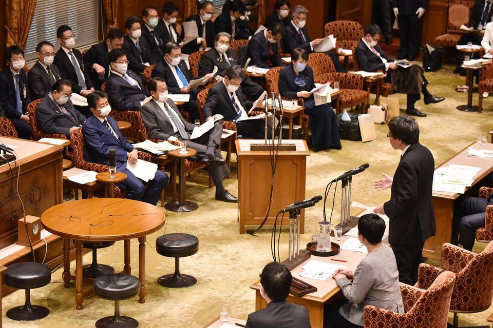 http://www.inoue-satoshi.com/diary/200401%E5%A4%A7%E9%96%80.jpg