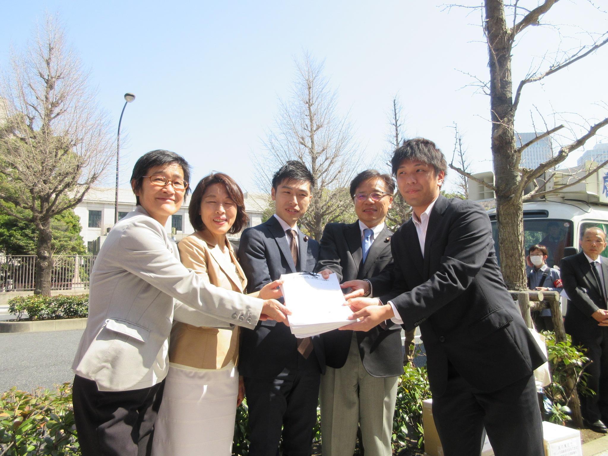 http://www.inoue-satoshi.com/diary/IMG_3815.JPG