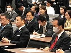 19.11.1緊急集会.jpg